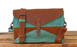 LePapillon - Light Brown / Almond Green