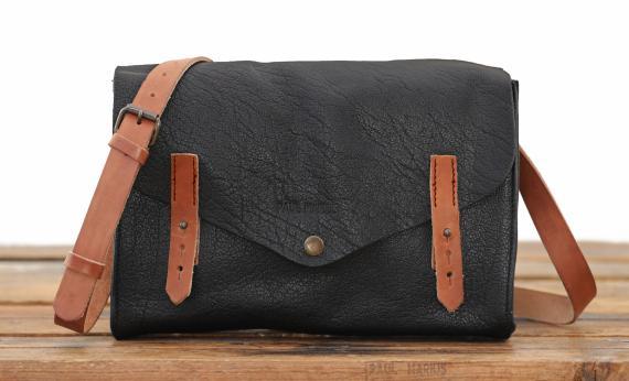 L'Indispensable - Black - Shoulder bags - Paulmarius